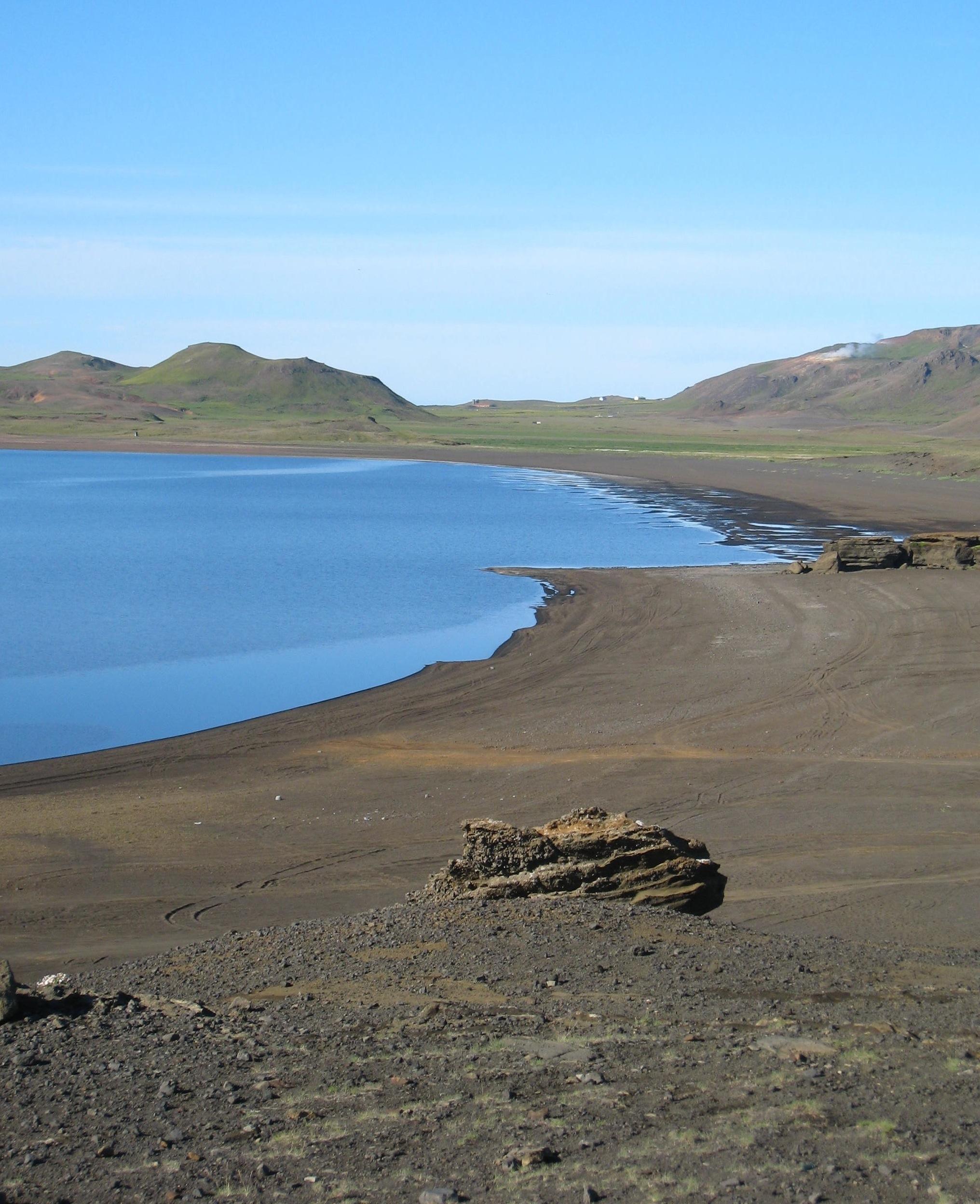"""Kleifarvatn, Indriðason's """"Draining Lake"""""""